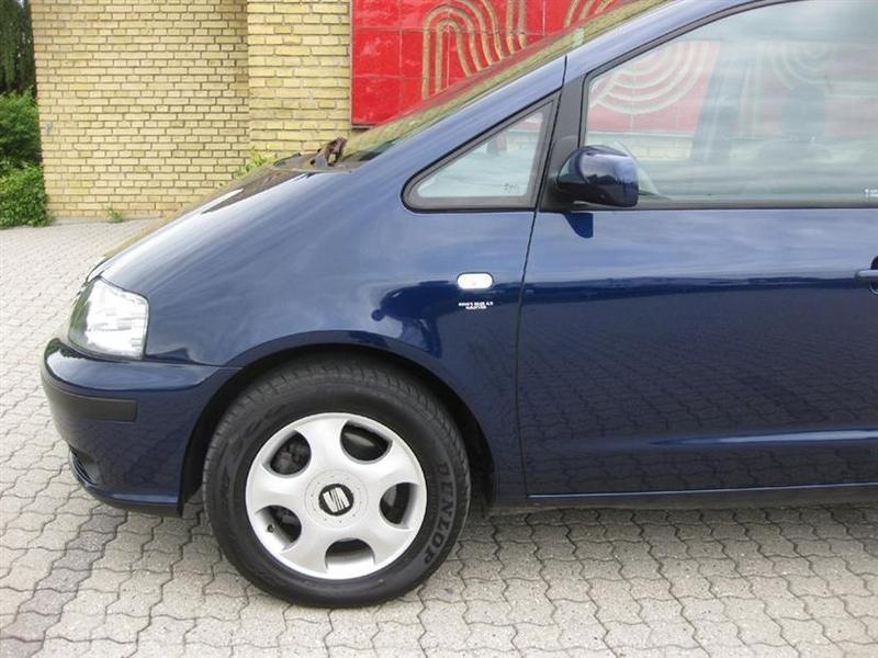 Seat Alhambra 1,9 TDi Sport tiptr. - used cars for sale - AutoUncle.
